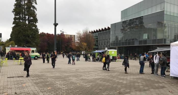 20161013UBC中央広場にて2.jpg