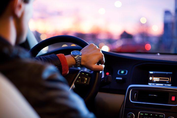 driver-1149997__480.jpg