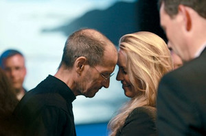 009_steve_jobs_wife_laurene_couple