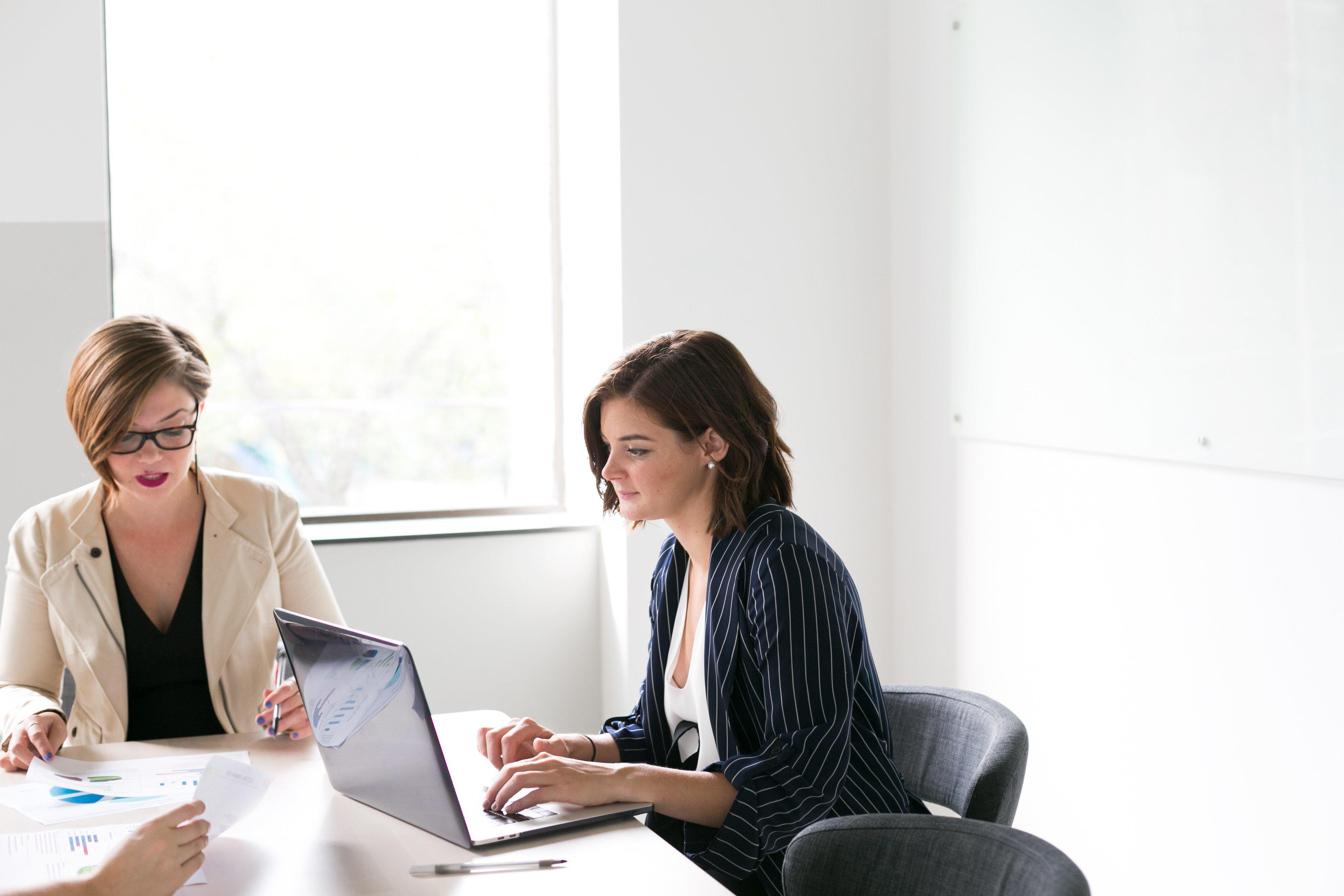 women-in-business-meeting_4460x4460.jpg